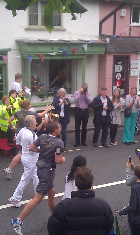 olympic torch relay on Winslow High Street